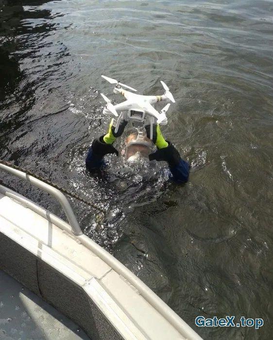 Водолаз. Поиск утонувшего квадрокоптера (дрона) под водой