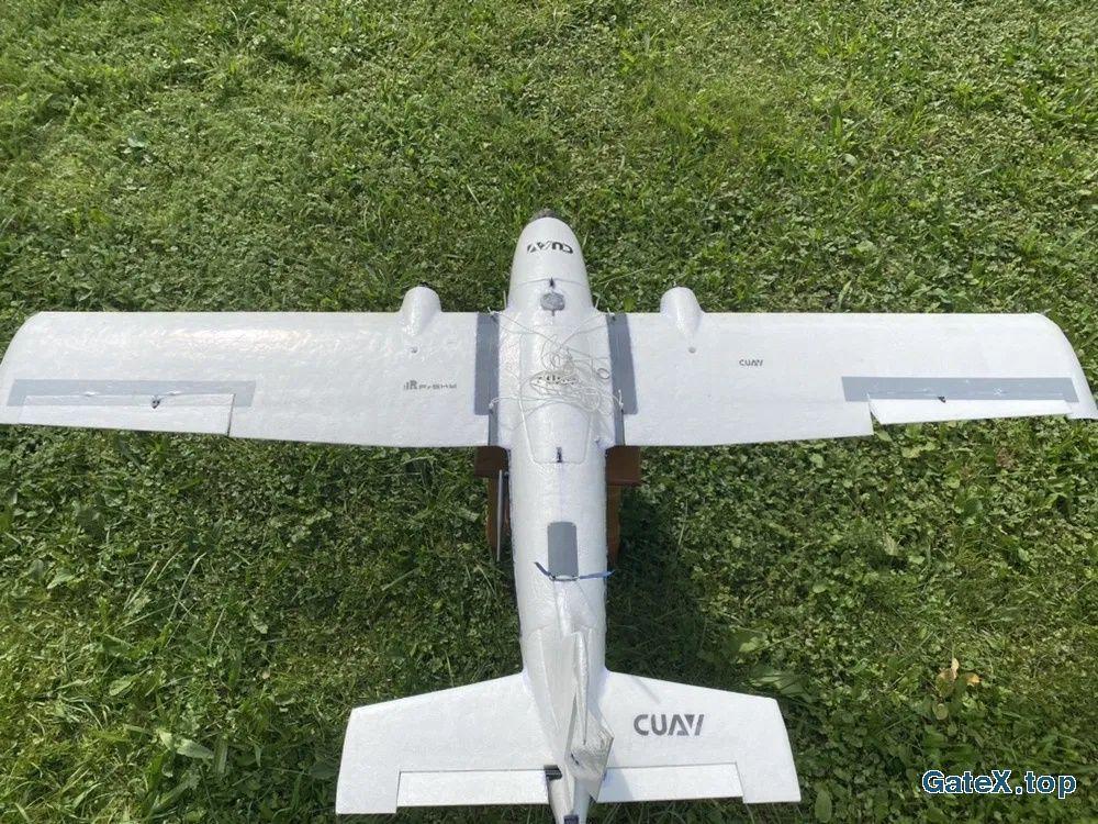 Літак , грузовий дрон, бпла