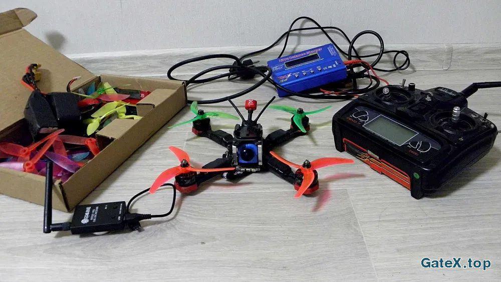 Гоночный FPV DRON Квадрокоптер (Комплект)
