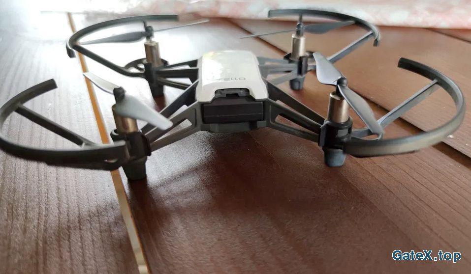 Квадрокоптер (селфи дрон)Tello
